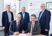 Comparex und KommWis schließen Handelspartnervertrag.