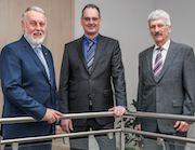 Stabwechsel auf der enwag-Brücke: Berndt Hartmann folgt auf Wolfgang Schuch.