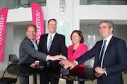 Die rheinland-pfälzische Ministerpräsidentin Malu Dreyer startet den ersten kostenfreien WLAN-Hot Spot in Mainz.