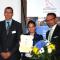 Vertreter der Stadt Prenzlau und von Kieback&Peter nehmen den Energieeffizienzpreis 2016 entgegen.