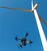 Flugdrohnen liefern mit ihren Bildern wichtige Daten für eine lückenlose Dokumentation von Windparks.