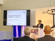 Susanne Egert, Geschäftstellenleiterin der GDI-Südhessen, stellt das im DVW Practice Award ausgezeichnete Online-Portal vor.