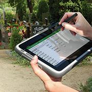 Grabstellen mobil kontrollieren spart Aufwand.