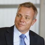 """Dr. Michael Fiedeldey, Geschäftsführer der Stadtwerke Bamberg und Mitinitiator der Stadtwerke-Initiative """"Energiewende bezahlbar"""": Strom darf kein Luxusgut werden."""
