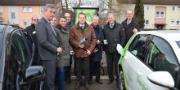 Nahmen die erste Schnellladesäule für Elektrofahrzeuge im Landkreis Marburg-Biedenkopf offiziell in Betrieb: