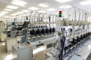 Im Labor von EnBW werden die Systeme auf Herz und Nieren geprüft.
