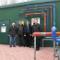 Vor dem neuen Blockheizkraftwerk am Kreishaus:
