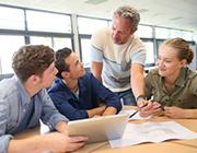 Am Gymnasium Würselen lernen die Schüler mit Tablett-Computern.