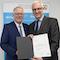 Für den Kreis Recklinghausen nahm Landrat Cay Süberkrüb den Bescheid in Höhe von 150.000 Euro entgegen.