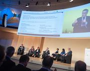 Auf dem Zukunftskongress treffen sich Experten aus Politik, Wissenschaft und Wirtschaft, um zentrale Themen rund um die Digitalisierung der Verwaltung zu diskutieren.