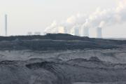 Kohlekraftwerke produzieren 40 Prozent des Stroms und stoßen dabei 80 Prozent der Treibhausgase in ihrem Sektor aus.