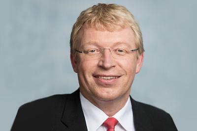 Dr. Ralf Kleindiek stellte im E-Government-Seminar der Hochschule für Wirtschaft und Recht Berlin das Leitprojekt Elterngeld Digital vor.