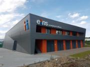 Der Gebäudeintegrierte Batteriespeicher in Chemnitz stellt 10 MW Regelleistung bereit.