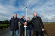 Mit einem symbolischen Knopfdruck haben die Stadtwerke Münster die erste von fünf neuen Windenergieanlagen eingeweiht.