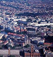 Berlin: Auf den Dachflächen der Großstädte könnten Photovoltaikanlagen mit einer Gesamtleistung von rund 1,1 Gigawatt Peak zusätzlich installiert werden.