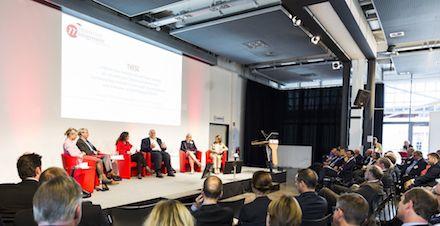 In der Podiumsdiskussion des Führungskräfteforums Innovatives Management ging es darum, wie sich Technologie, Informationen und Menschen in Einklang bringen lassen.