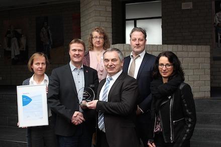 Persönliche Übergabe des Infoma Innovationspreises 2017 beim Finalisten Stadt Borgholzhausen.