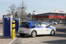 EnBW-Schnellladestation an Autobahnraststätte: Vom TÜV geprüft und freigegeben.