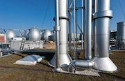 Klärwerk Hamburg: Das aus dem Klärschlamm gewonnene Faulgas wird gereinigt und ins Gasnetz eingespeist.