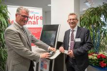 Düsseldorf nimmt erstes Service-Terminal für eID-Funktion des Personalausweises in Betrieb.