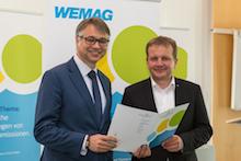 WEMAG-Vorstand Thomas Murche (l.) und Schwerins Oberbürgermeister Dr. Rico Badenschier haben große Ziele mit der neuen Klima-Allianz Schwerin.