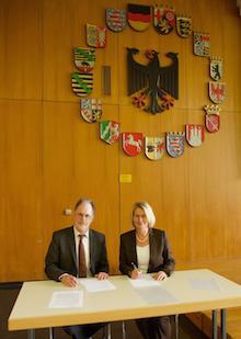 Unterzeichnung der Kooperationsvereinbarung zwischen der Universität Speyer und der Metropolregion Rhein-Neckar.
