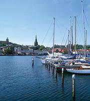 Die Stadt Flensburg hat die Betreuung der Schul-IT professionalisiert.