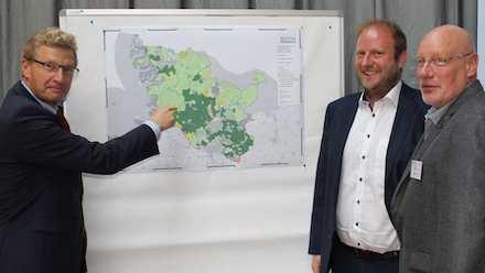 Schleswig-Holstein analysiert die weißen Glasfaserflecken im Land.
