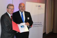 In Schleswig-Holstein haben 60 Firmen und Institutionen ein Bündnis für den Glasfaserausbau geschlossen.