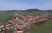 Im Stadtteil Martinfeld der thüringischen Gemeinde Schimberg wurde mit der Umsetzung des Internet-of-Things-Projekts SMARTinfeld begonnen.