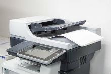 Bundestag und Bundesministerien gaben 2017 mehr als zwei Millionen Euro für Papier und Druckertinte aus.