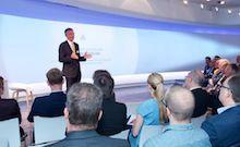 DStGB-Chef Gerd Landsberg eröffnet gemeinsam mit der Deutschen Telekom das Smart City Executive Program.