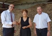 Die BayWa Dienstleistungs GmbH betreibt nun das Kraillinger Biomasseheizwerk.