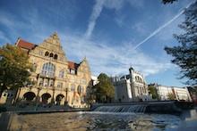 Die Organisationseinheiten der Stadt Bielefeld stellen auf die E-Akte-Lösung von Ceyoniq Technology um.