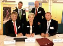 Unterzeichnung des Zuwendungsvertrags für den Breitband-Ausbau im Kreis Nordwestmecklenburg.