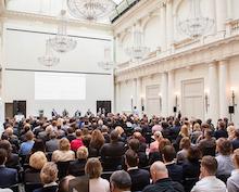 Beschaffungskonferenz: Treffpunkt für öffentliche Auftraggeber und Bieter.