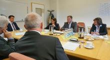 Brandenburg: Finanzminister Christian Görke beim Besuch des Technischen Finanzamts Cottbus und des Finanzamts Cottbus.