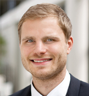 Andreas Zerlett arbeitet seit 2016 im Vertrieb des Technologieunternehmens COPA-DATA, seit 2017 als Sales Excellence Energy & Infrastructure / Smart City.