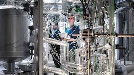 Der Einsatz flüssiger Metalle in thermischen Energiespeichern soll im Rahmen von NADINE erforscht werden.