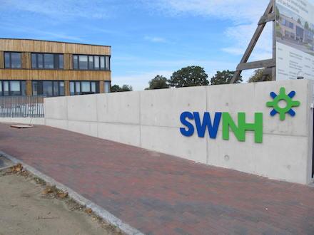 Neuer Firmensitz der Stadtwerke Neustadt in Holstein wurde in nachhaltiger Bauweise errichtet.