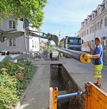 Die Verlegung von Rohren für Wärmenetze ist ein wichtiger Beitrag zur Energiewende und zum Klimaschutz vor Ort.