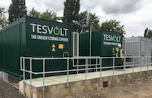 Tesvolt Batteriespeichersystem in Westhampnett in der Grafschaft West Sussex.