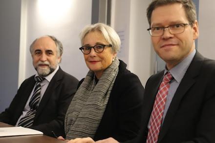Universität zu Lübeck und MACH bekräftigen ihre Kooperation per Vertrag.