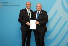 """Verwaltungsvereinbarung über die dauerhafte Zusammenarbeit zur Gewährleistung der Sicherheit der """"Netze des Bundes"""" (NdB) geschlossen."""