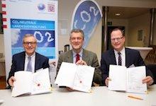 Das Land Hessen und die Städtischen Werke aus Kassel haben einen Vertrag für die Fernwärmeversorgung unterzeichnet.