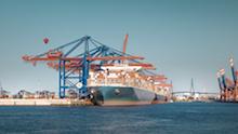 In Hamburg wird das größte deutsche Schifffahrtsregister digitalisiert.