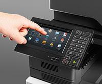 Intuitive Touchscreens erleichtern Druckerbedienung.