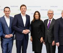 Die Mitglieder des Digitalisierungsrats beraten auf dem Weg zum Digitalen Saarland.
