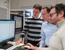 Projekt KielFlex: Im Labor der Technischen Fakultät an der CAU wird das gesamte Stromnetz Kiels simuliert.
