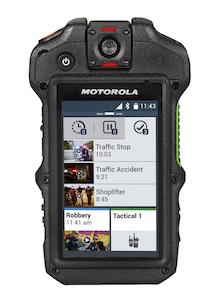 Motorola stattet die Bundespolizei mit Bodycam, Lautsprechermikrofon sowie einer intelligenten Schnittstelle in nur einem Gerät aus.